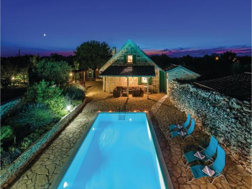 Holiday home Gluici IV
