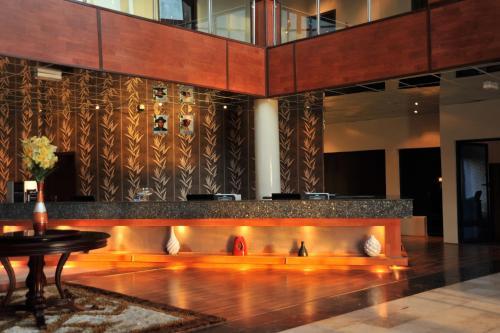 Bon Hotel Delta Photo