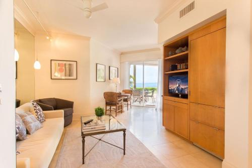 Provident Luxury Suites At Fisher Island - Miami, FL 33109