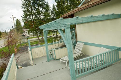 Motel Bavaria - Radium Hot Springs, BC V0A 1M0