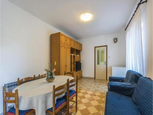 Three-Bedroom Apartment in Vrsar