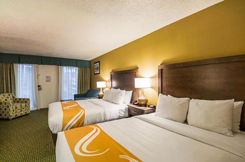 Quality Inn Oceanfront Photo