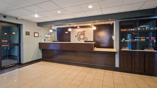 Best Western Plus Coldwater Hotel Photo