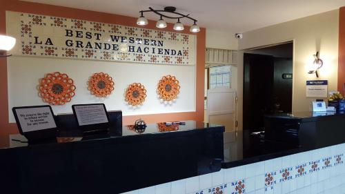 Best Western La Grande Hacienda Photo