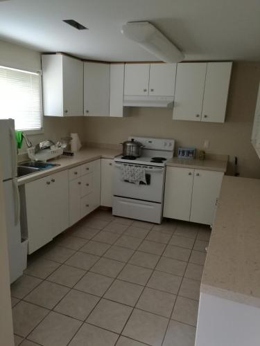 Richmond 3 Or 2 Bedroom House - Richmond, BC V6X 1E8