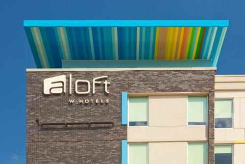 Aloft Richmond West Short Pump photo 5