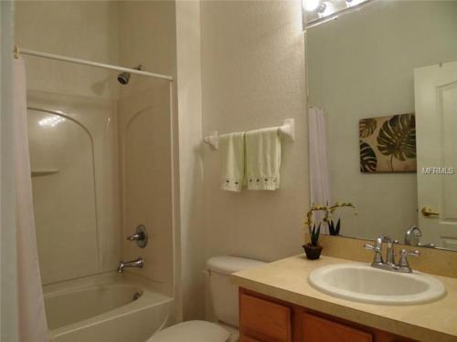 Luxury Townhouse Near Disney Gated Community - Kissimmee, FL 34746