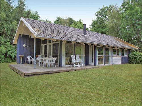 Holiday home Pirolvej