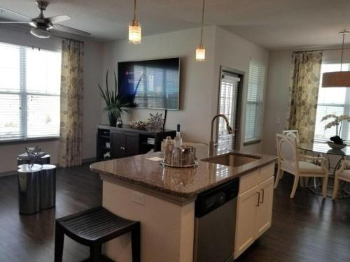 Lux Apartments By Blueskies Living - Orlando, FL 32821