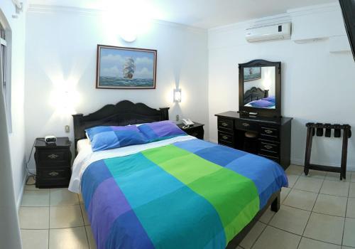 Hotel Eskalima Photo
