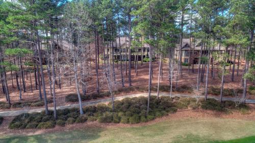 Big Bold And Beautiful - Greensboro, GA 30642