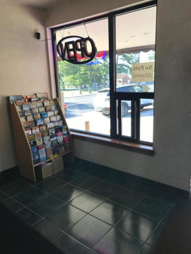 Hi Way Inn - Fayetteville, AR 72703