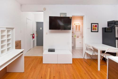 Yorkville Apartments -Upper East Side Photo