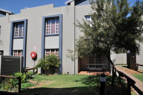 The Garden Shed -OR Tambo Airport Townhouses