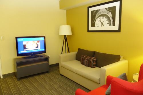 Country Inn & Suites by Radisson, Burlington (Elon), NC Photo
