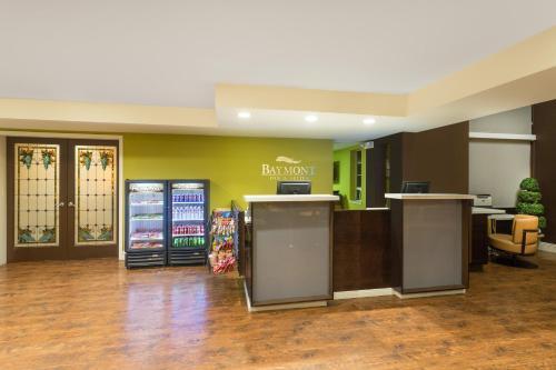 Baymont Inn & Suites Modesto/Salida Photo