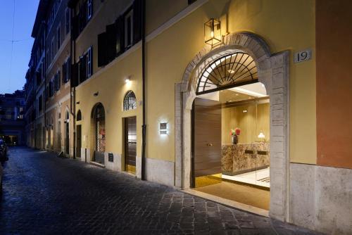 Via Margutta, 19, 00187 Roma RM, Italy.