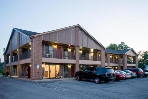 Oak Tree Inn - Irvine, KY 40336