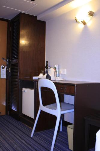 Evergreen Hotel photo 2