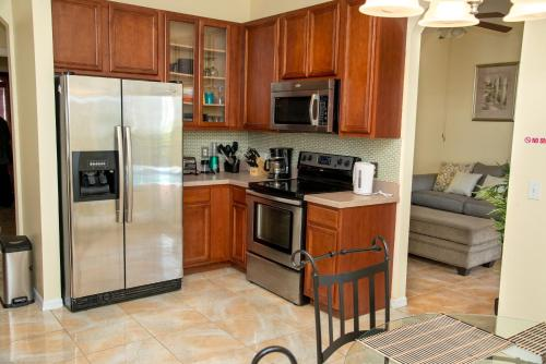 Holiday Rest - Kissimmee, FL 34759
