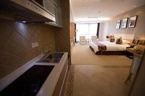 Suzhou Sun Plaza Hotel photo 22