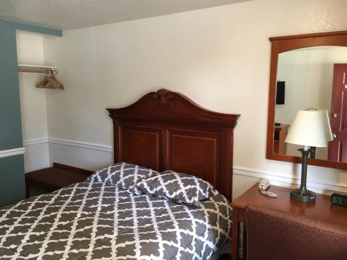 Belfair Motel - Belfair, WA 98528