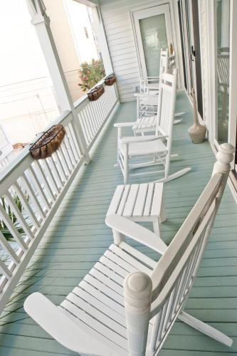 Desoto Beach Bed And Breakfast - Tybee Island, GA 31328