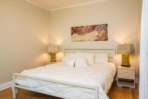 The Buena Apartment - Near Wrigley