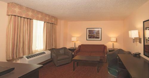 La Quinta Inn & Suites San Antonio Medical Center - San Antonio, TX 78229