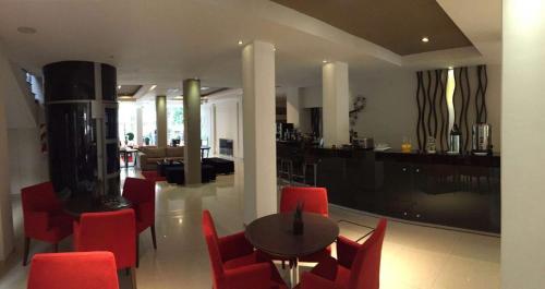 San Martin Plaza Hotel Photo