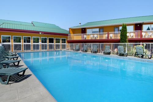 Days Inn & Conference Centre By Wyndham Penticton - Penticton, BC V2A 5Y4