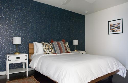Two-bedroom Penthouse On Loyola Avenue Apt 803 By Sonder