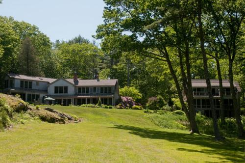 Coveside Bed & Breakfast - Georgetown, ME 04548