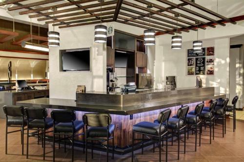 Hyatt Place Oklahoma City Airport Photo
