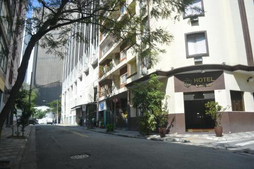 Hotel Calstar Photo