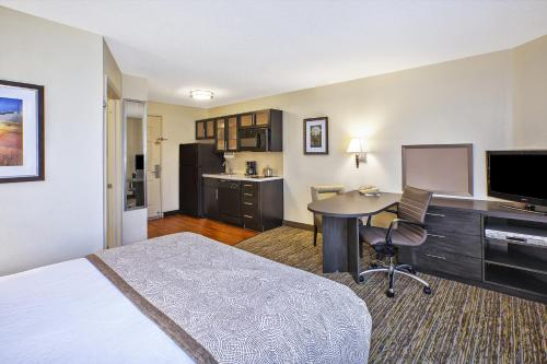 Candlewood Suites Indianapolis Northeast photo 21