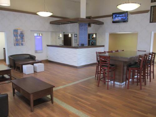 Best Western Hampton Coliseum Inn Photo