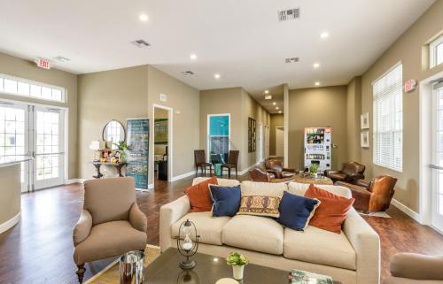 Three Bedroom Vacation Townhouse 89sh96 West Lucaya - Kissimmee, FL 34747