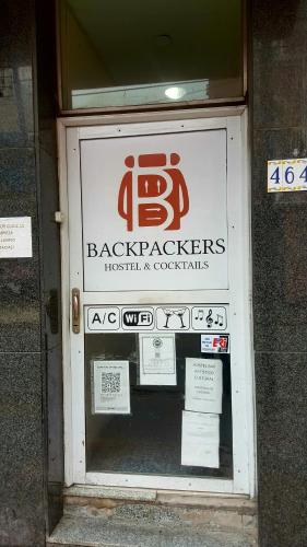 Hotel Backpackers Hostel & Cocktails
