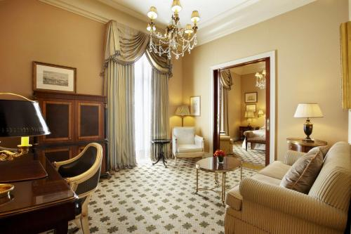 Hotel Grande Bretagne, a Luxury Collection Hotel photo 125