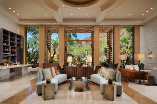The Canyon Suites at The Phoenician, a Luxury Collection Resort, Scottsdale Photo