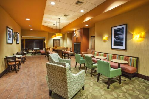 Hampton Inn Gaylord Photo