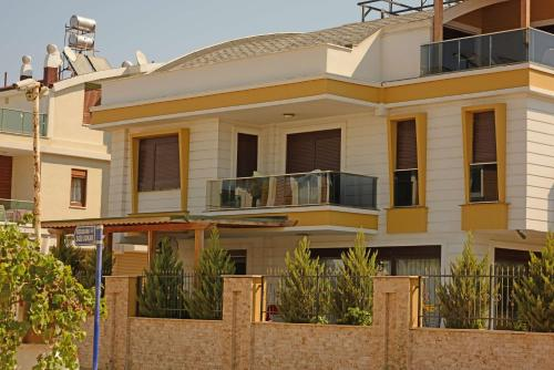 Lara Lara Beach Luxus Villa telefon