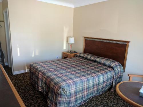Franklin Motel Tent & Trailer Park - North Bay, ON P1A 2E1
