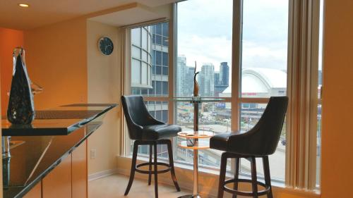 Amazing Cn Tower View Modern Suite - Toronto, ON M5J 1A7