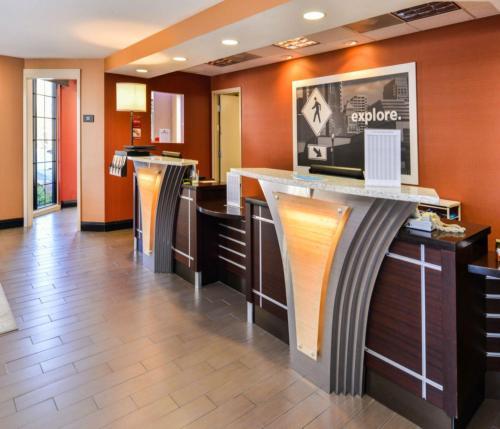 Hampton Inn & Suites San Francisco-burlingame Ca - Burlingame, CA 94010