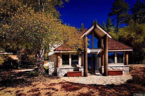 Lakeside Manor Photo