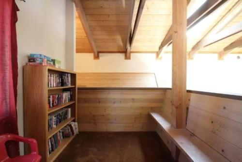 Treehouse Lodge Photo