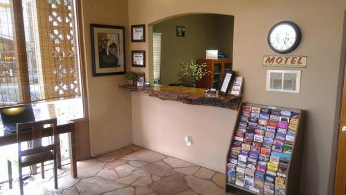 9 Arizona Motor Hotel Photo