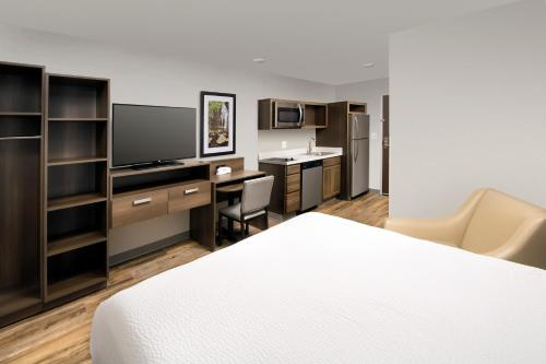 Woodspring Suites Cherry Hill - Cherry Hill, NJ 08034